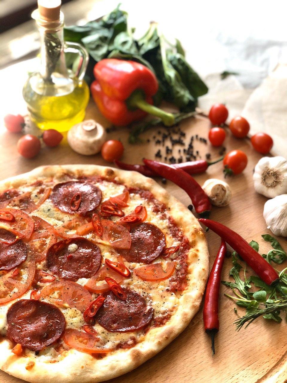 Піца Діабола від ресторану La Famiglia