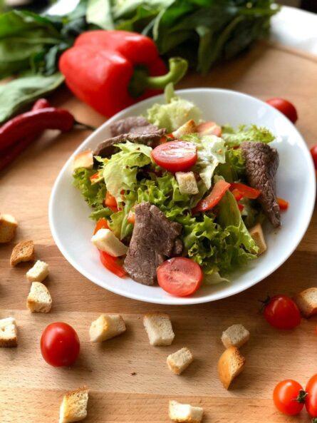 Салат з телятиною гриль